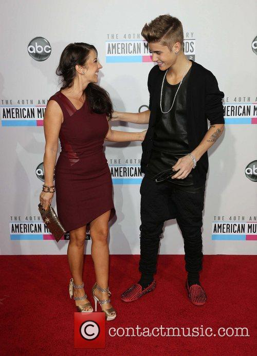 Justin Bieber and Pattie Mallette 9