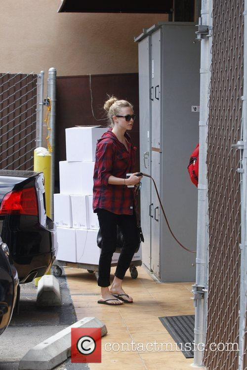amanda seyfried spotted out and about hollywood 5823802