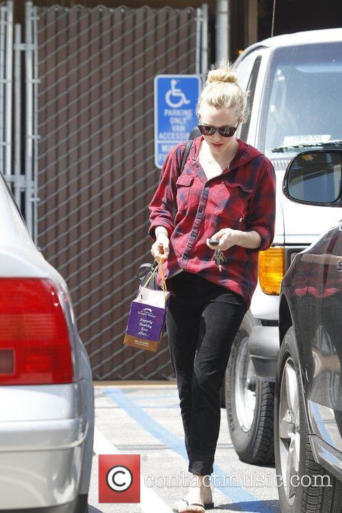 amanda seyfried spotted out and about hollywood 5823804