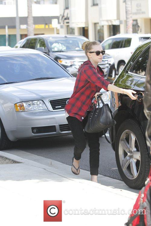amanda seyfried spotted out and about hollywood 5823811