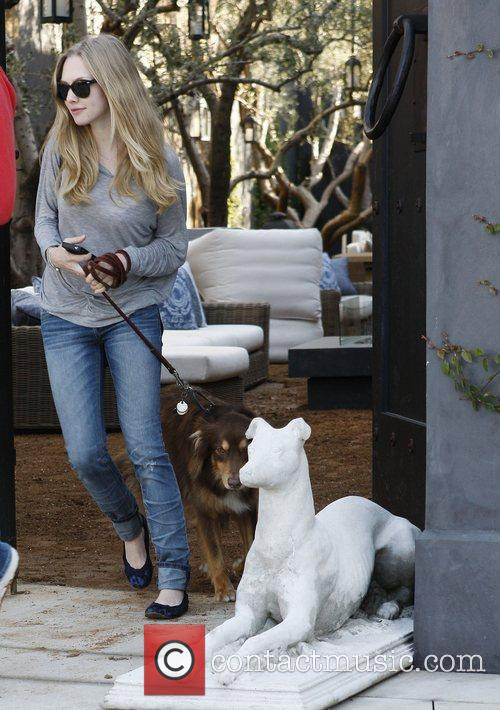 Amanda Seyfried leaving Cheebo in Hollywood after lunch....