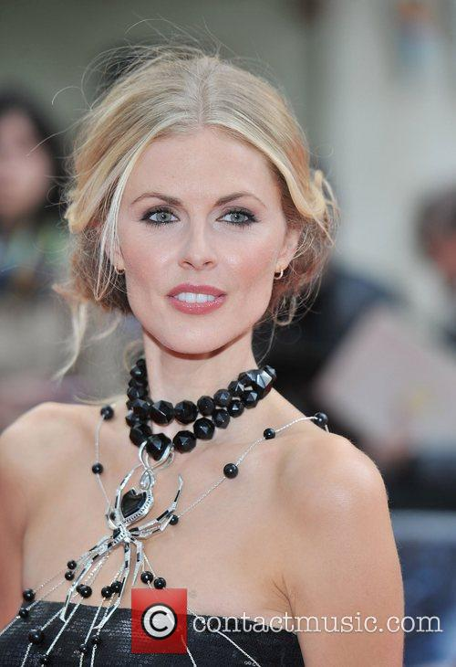 donna air the amazing spider man gala 3950060
