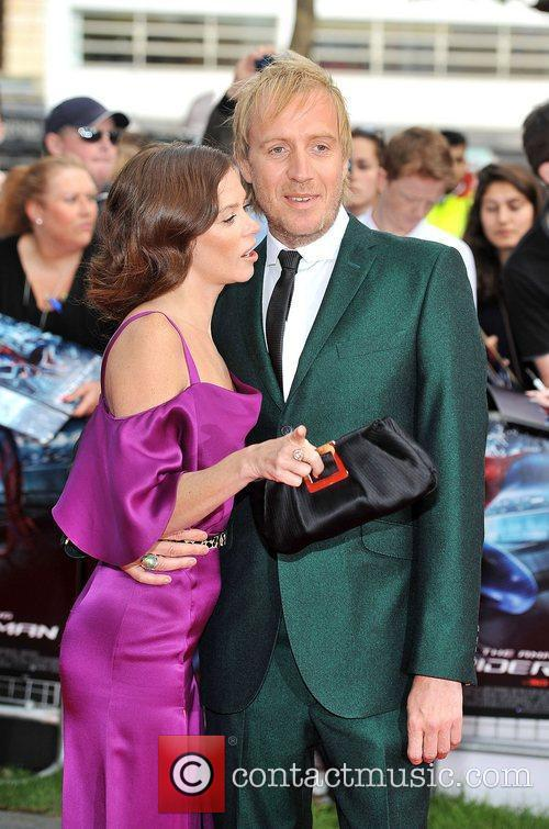 Rhys Ifans and Anna Friel 20