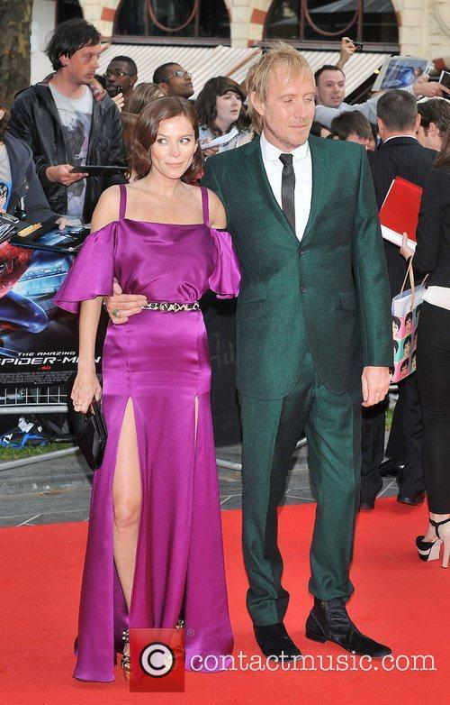 Rhys Ifans and Anna Friel 21