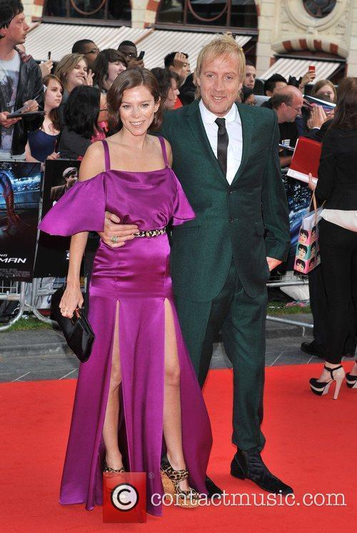 Rhys Ifans and Anna Friel 6