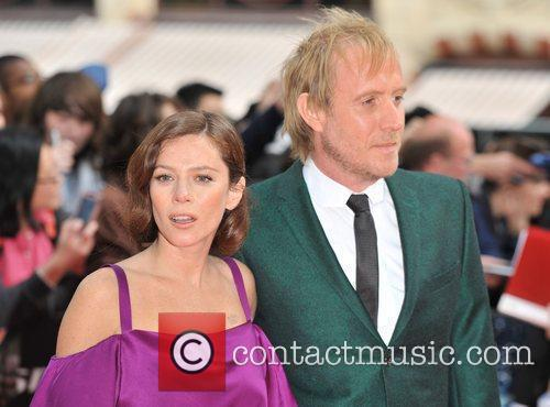 Rhys Ifans and Anna Friel 9