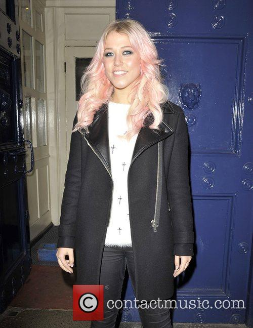 amelia lily arriving at the theatre royal 4175657
