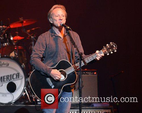 Gerry Beckley 8