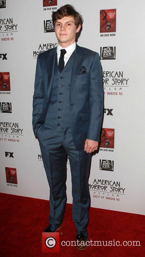 Evan Peters 3