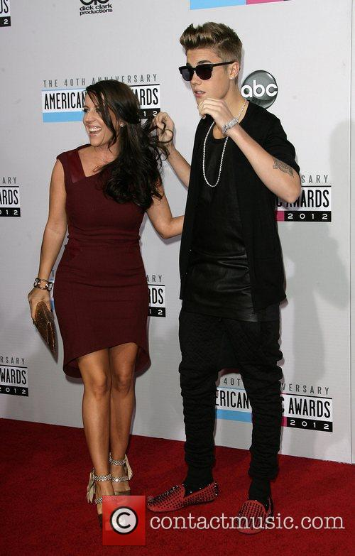 Justin Bieber and Pattie Mallette 3
