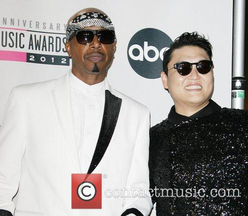 Hammer and Psy 4