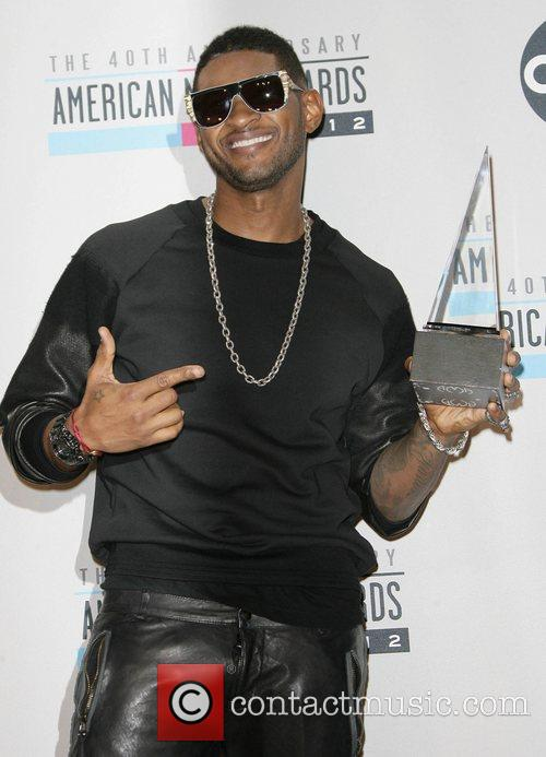 Usher and American Music Awards 6