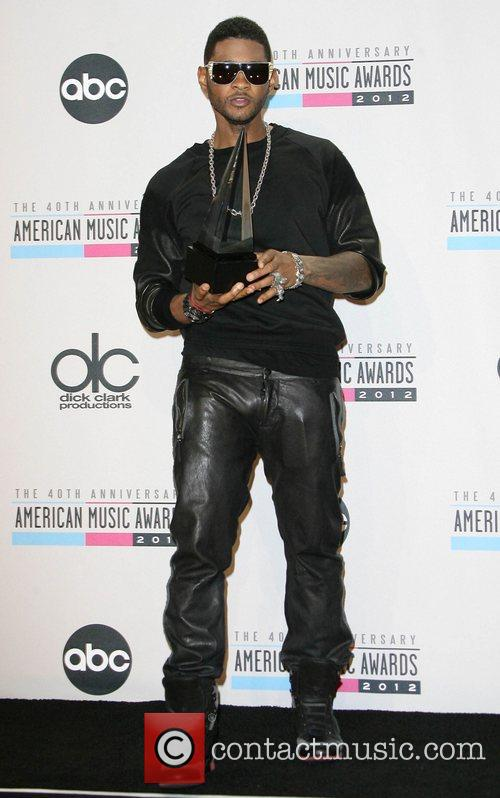 Usher and American Music Awards 4