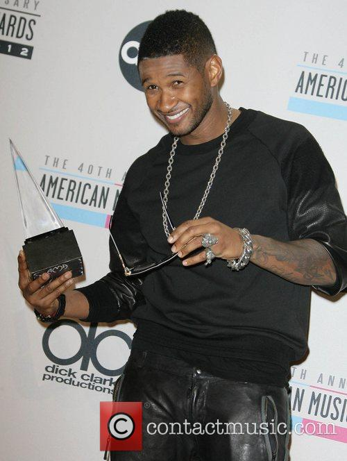 Usher and American Music Awards 2