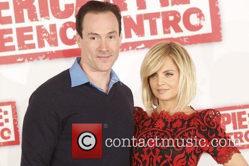 Mena Suvari and Chris Klein 3