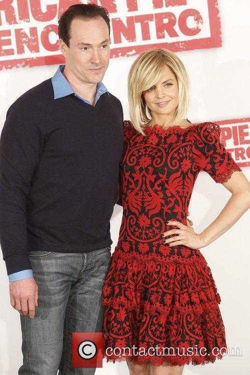 Mena Suvari and Chris Klein 4