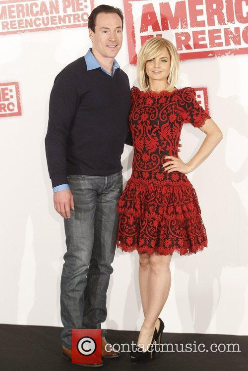 Mena Suvari and Chris Klein 5