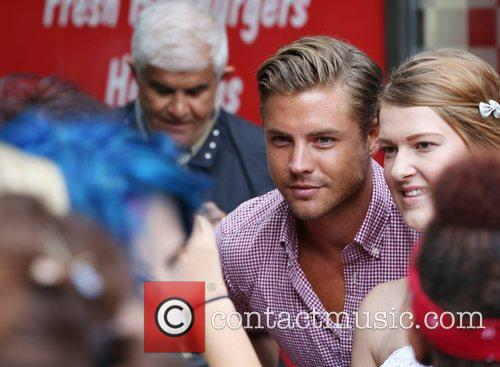 David Peters greets Amy's fans Amy Childs launches...