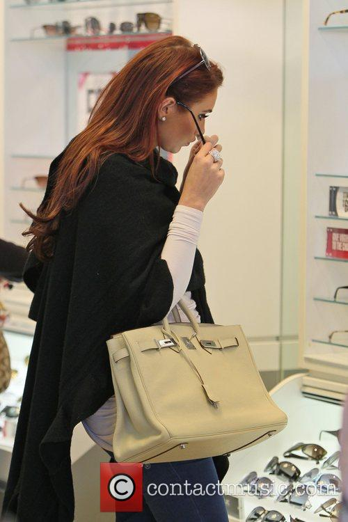 Amy Childs seen shopping at Carmillo Outlet Mall