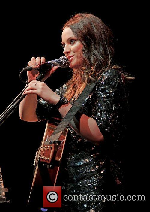 amy macdonald performing live at the lowry 5943279