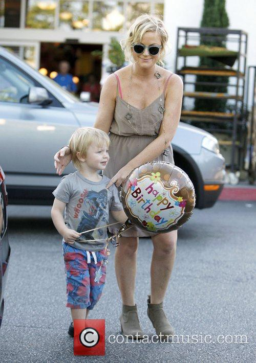 Amy Poehler shopping at Bristol Farms los Angeles,...
