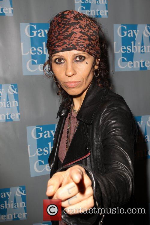 Linda Perry and Beverly Hilton Hotel 1