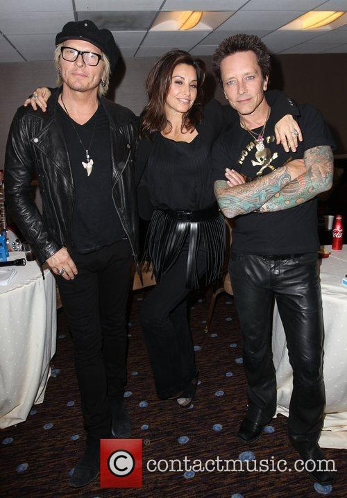 Gina Gershon, Billy Morrison and Beverly Hilton Hotel 5