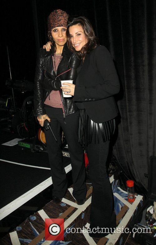 Linda Perry, Gina Gershon and Beverly Hilton Hotel 4