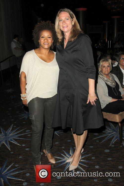Wanda Sykes and Beverly Hilton Hotel 1