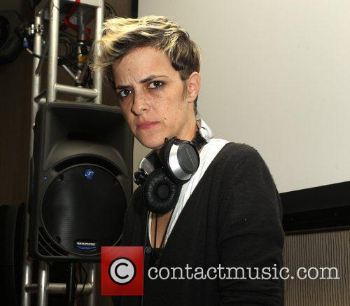 Dj Samantha Ronson and Beverly Hilton Hotel 1