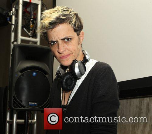 Dj Samantha Ronson and Beverly Hilton Hotel 7