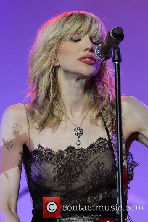 Courtney Love and Beverly Hilton Hotel 7