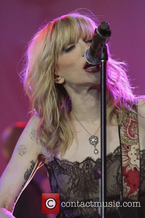 Courtney Love and Beverly Hilton Hotel 10