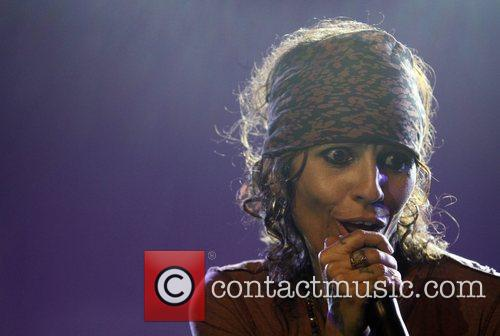 Linda Perry and Beverly Hilton Hotel 6