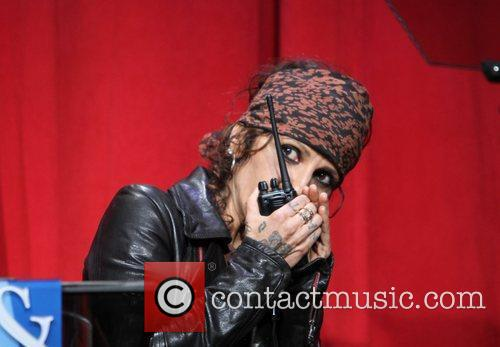 Linda Perry and Beverly Hilton Hotel 11