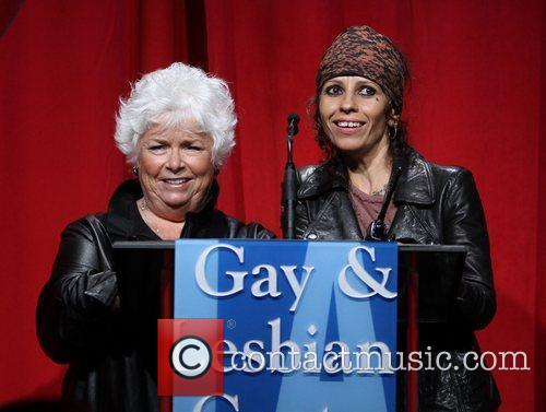 Linda Perry and Beverly Hilton Hotel 12