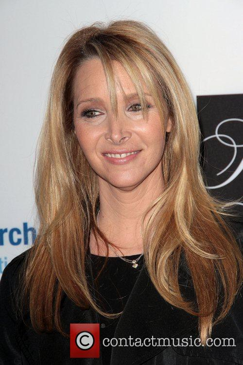 Lisa Kudrow and Beverly Hilton Hotel 4