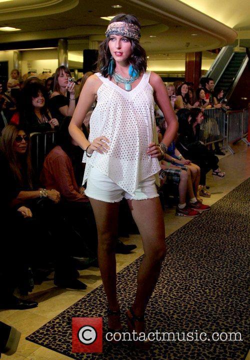 Model, Steven Tyler and Macy's 5