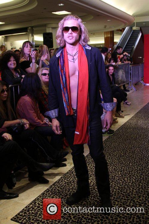 Model, Steven Tyler and Macy's 15