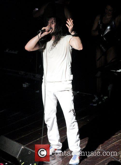 Andrew Wk and Evolution 10