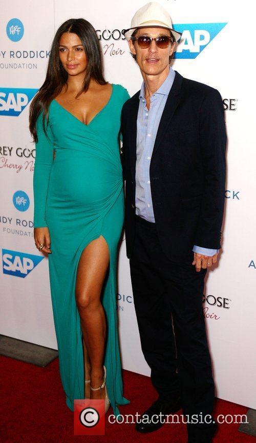 Camila Alves and Matthew Mcconaughey 2