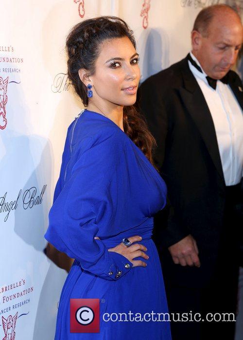 kim kardashian attends the angel ball 2012 4139014