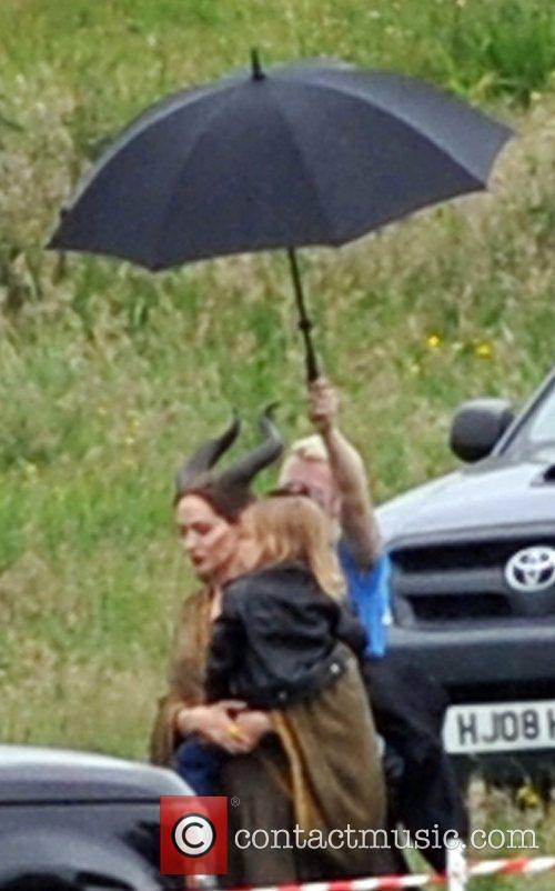 Angelina Jolie 23