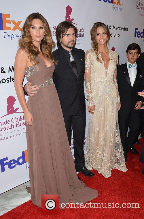 Daisy Fuentes and Juanes 1