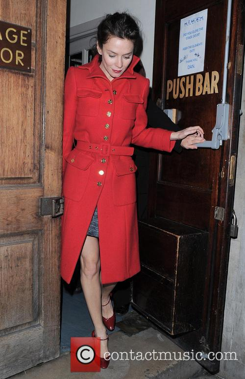 Anna Friel wraps up warm in a scarlett...