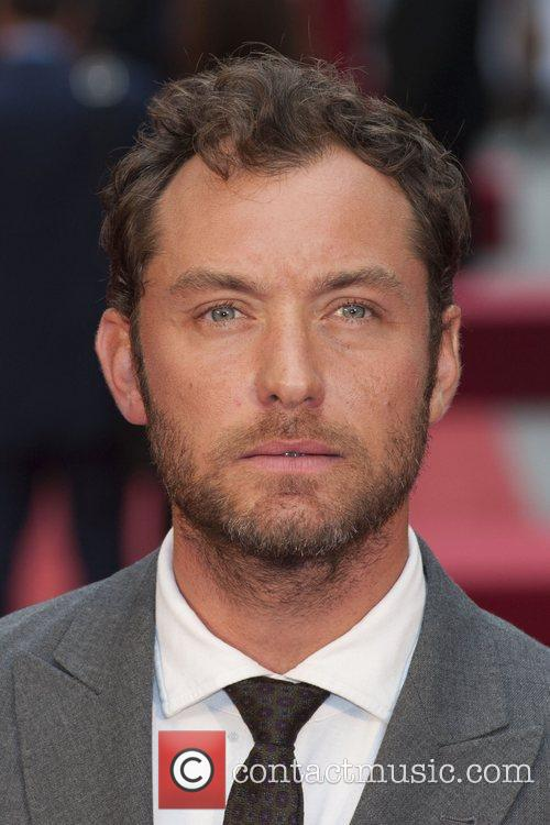 jude law anna karenina world premiere at 4059338