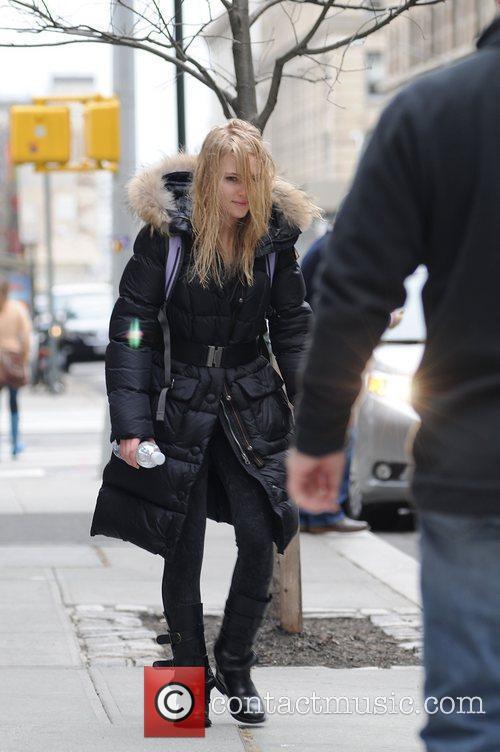 AnnaSophia Robb makes her way to the film...