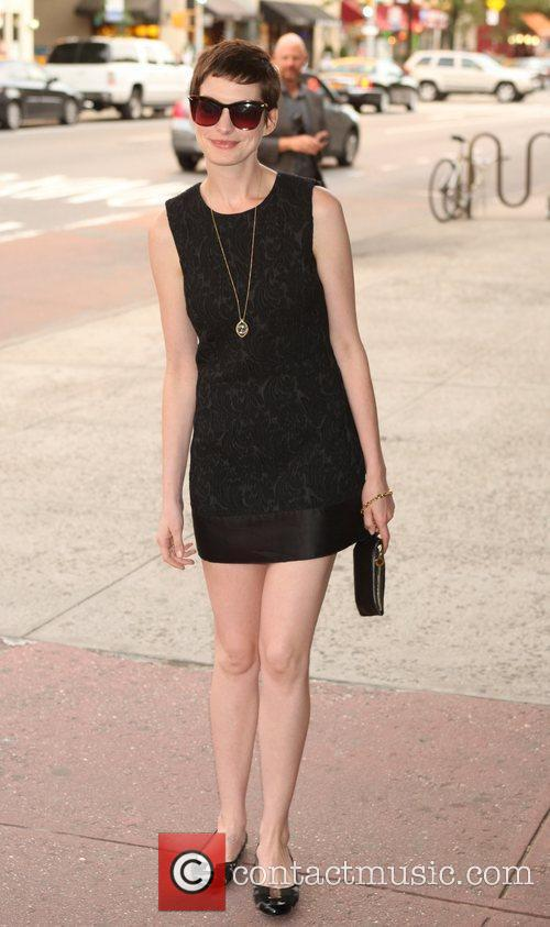 anne hathaway attends the new york premiere 5876784