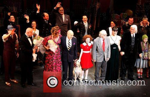 Charles Strouse, Thomas Meehan, Martin Charnin, Cast and Palace Theatre 1