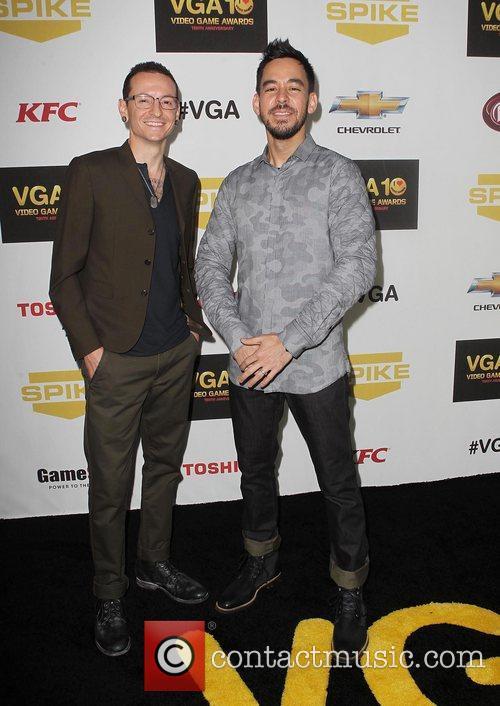 Chester Bennington and Mike Shinoda 1